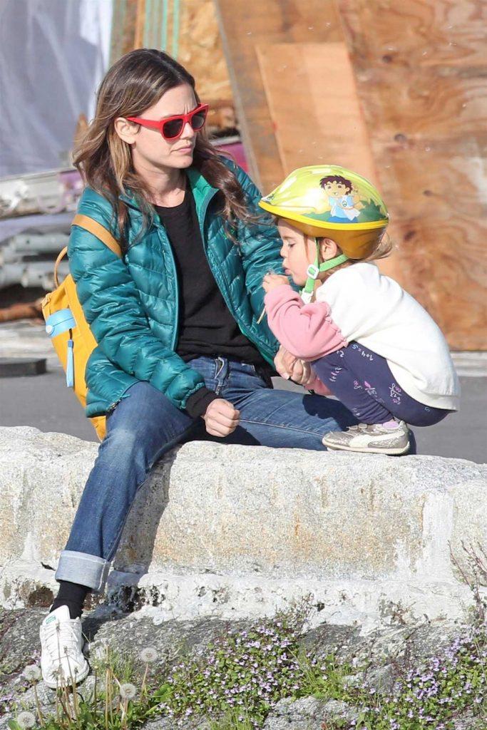 Rachel Bilson Enjoys The Vancouver Seawall With Her Mom