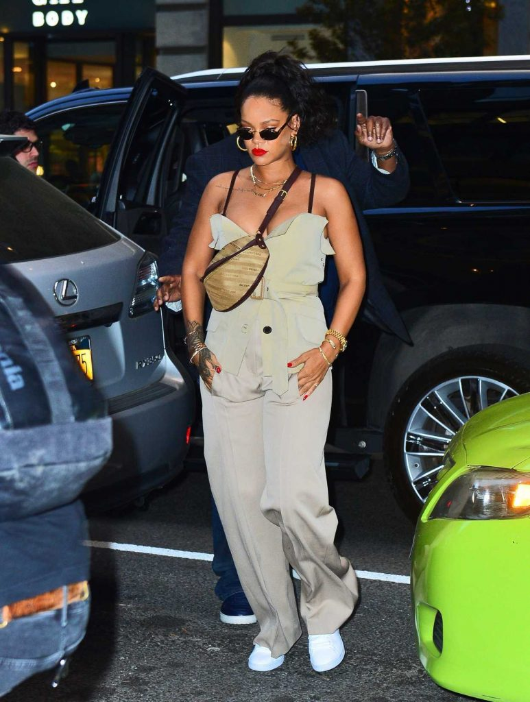 Rihanna Was Seen Out in New York 05/04/2018-1