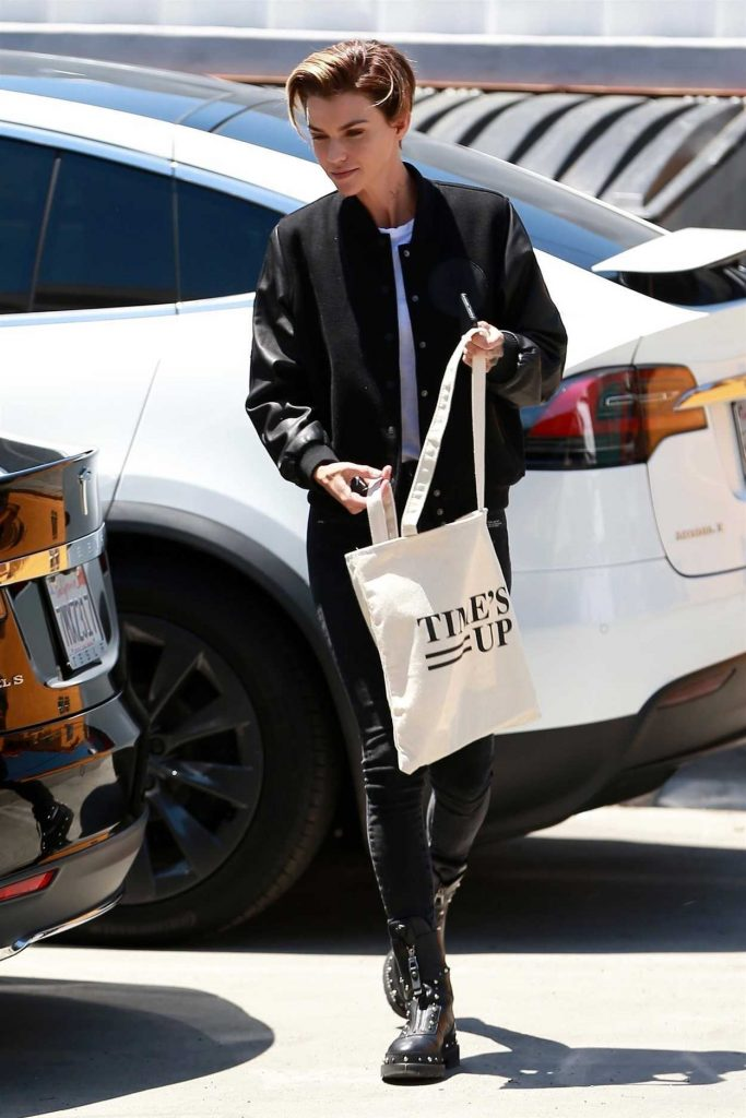 Ruby Rose Arrives to a Hair Salon in West Hollywood 05/03/2018-1