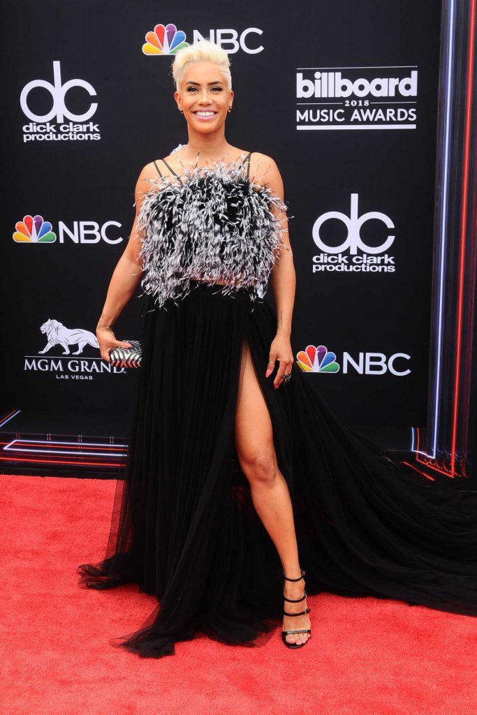 Sibley Scoles at Billboard Music Awards in Las Vegas 05/20/2018-1