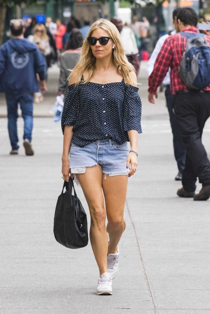 Sienna Miller Was Seen Out in New York City 05/22/2018-1