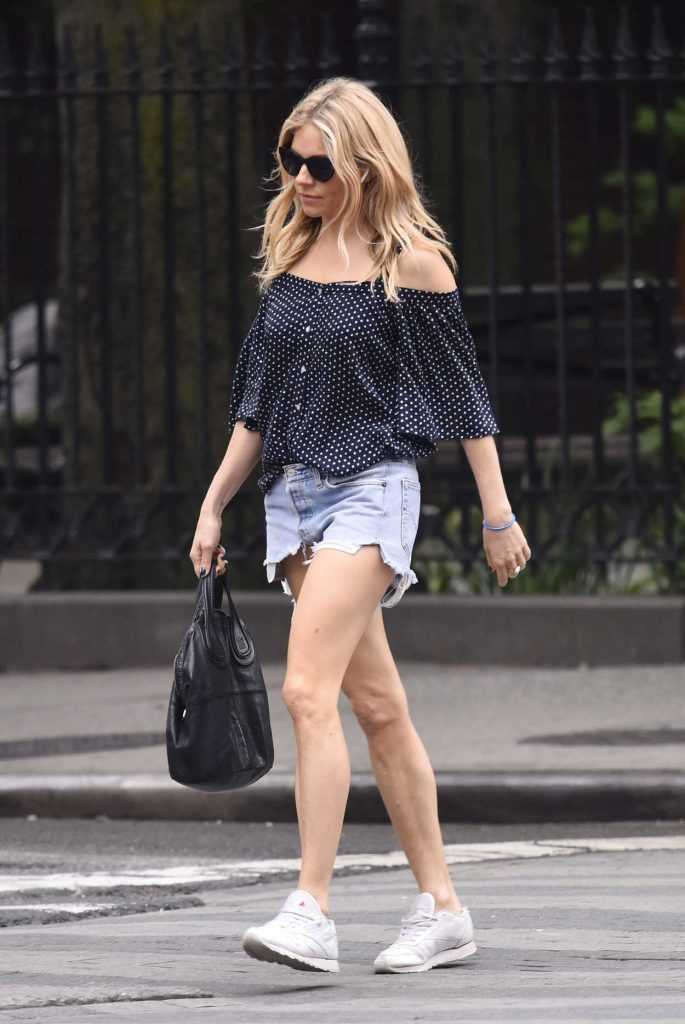 Sienna Miller Was Seen Out in New York City 05/22/2018-4