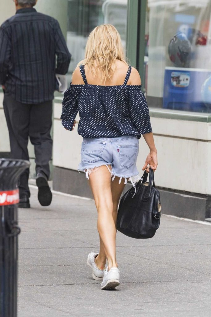 Sienna Miller Was Seen Out in New York City 05/22/2018-5