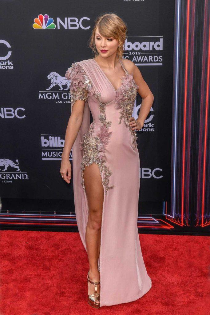 Taylor Swift at Billboard Music Awards in Las Vegas 05/20/2018-1