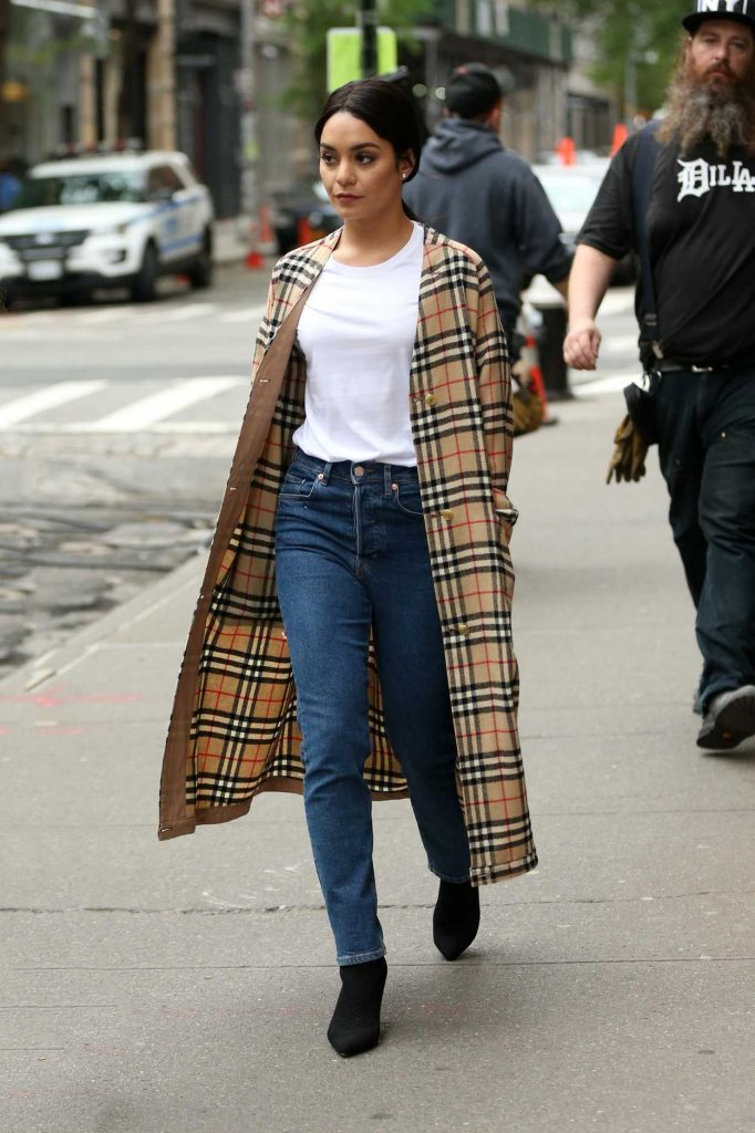 Vanessa Hudgens Wears a Burberry Trench Coat Out in New York City 05/06/2018-2