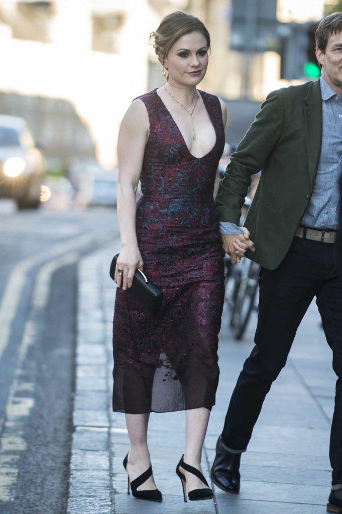 Anna Paquin Arrives at The Parting Glass Premiere During the 72nd Edinburgh International Film Festival in Edinburgh 06/24/2018-1