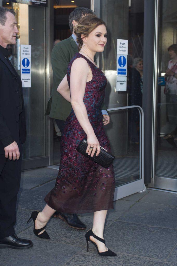 Anna Paquin Arrives at The Parting Glass Premiere During the 72nd Edinburgh International Film Festival in Edinburgh 06/24/2018-2