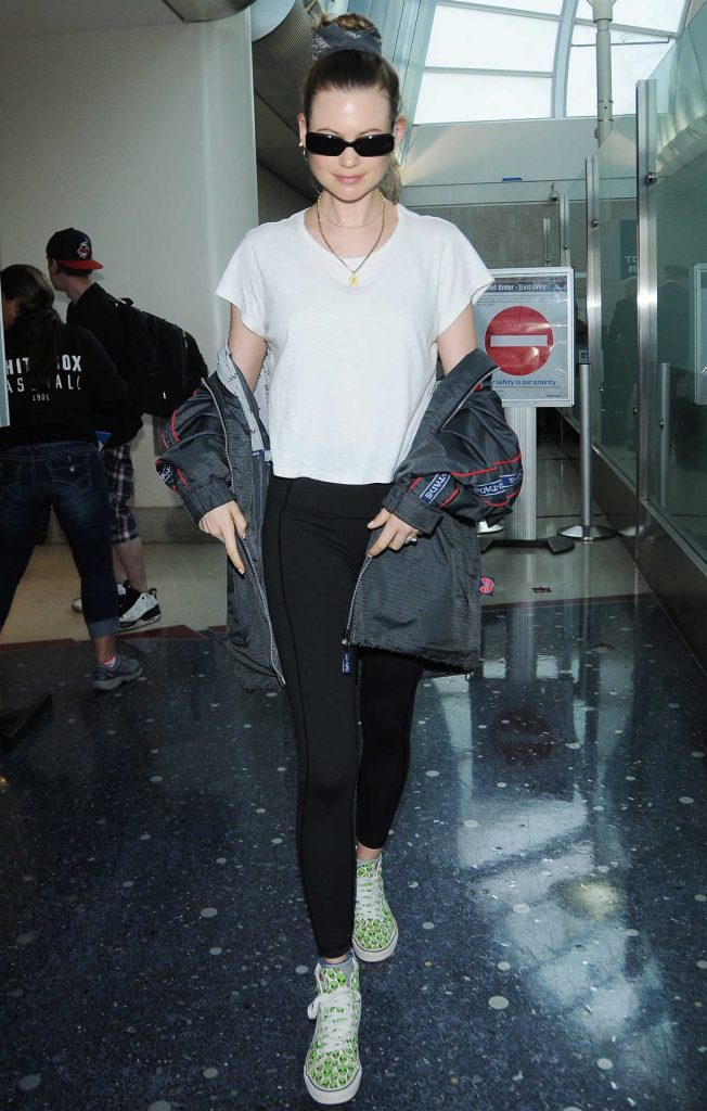 Behati Prinsloo Arrives at LAX Airport in LA 06/04/2018-1