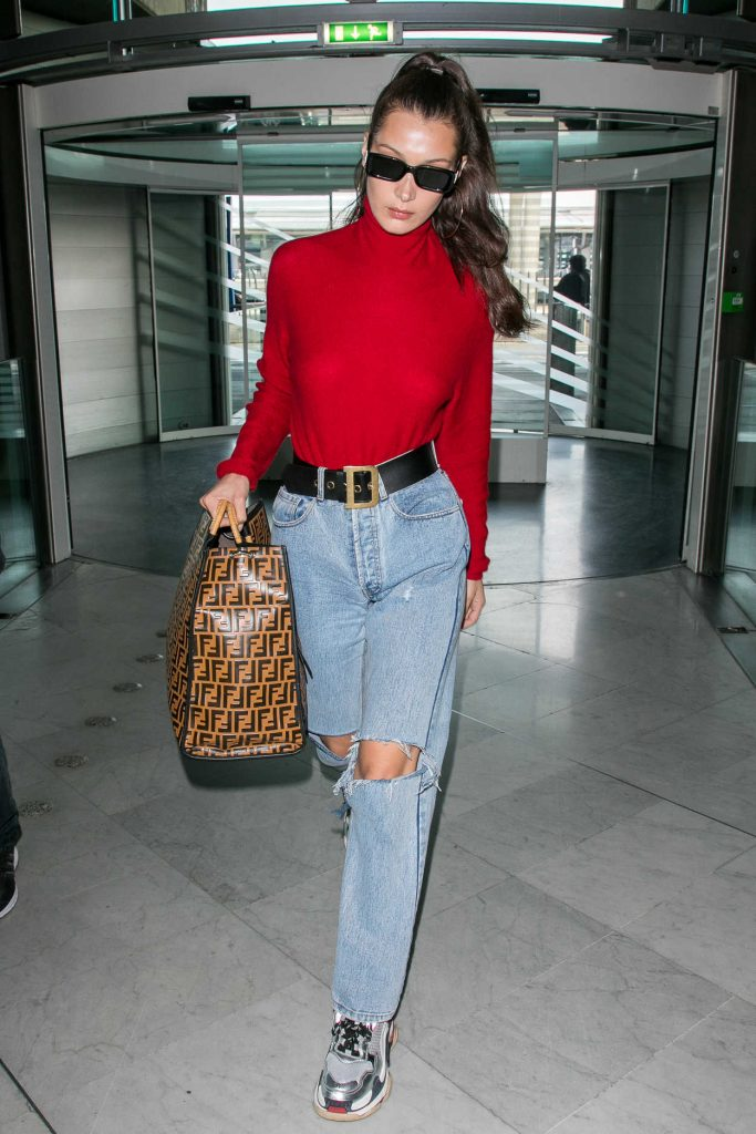 Bella Hadid Arrives at Charles de Gaulle Airport in Paris 06/02/2018-5