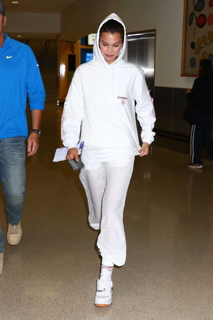Bella Hadid Arrives at Newark Airport in New Jersey 06/06/2018-1