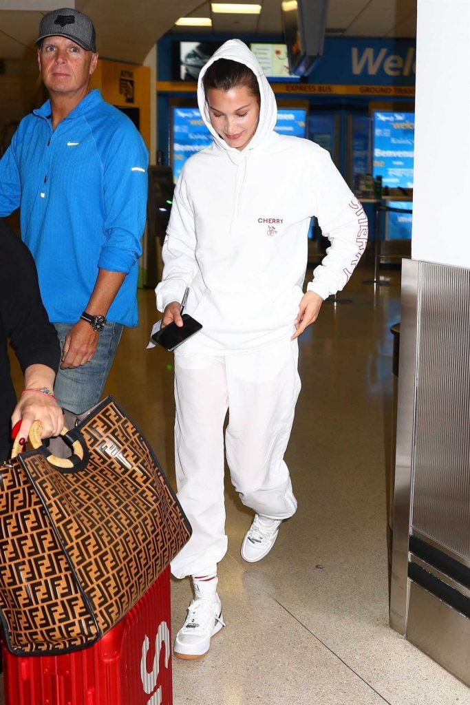 Bella Hadid Arrives at Newark Airport in New Jersey 06/06/2018-4