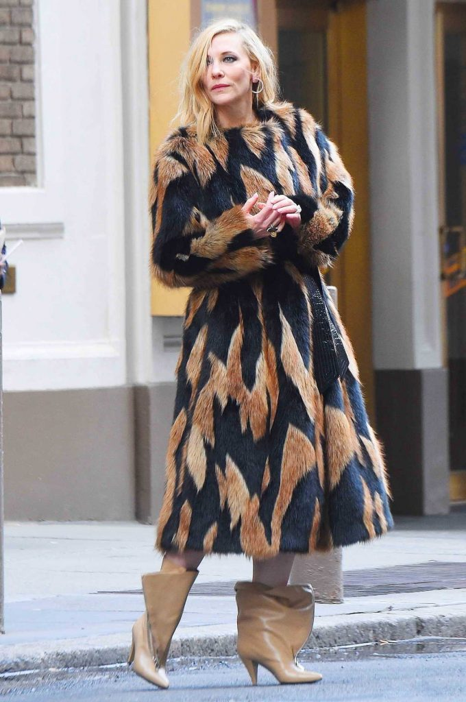 Cate Blanchett Does a Photo Shoot at Times Square in NYC 06/06/2018-1