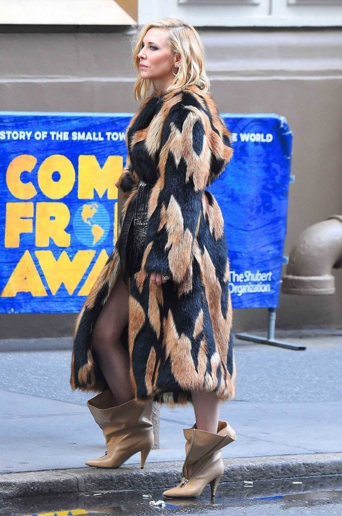 Cate Blanchett Does a Photo Shoot at Times Square in NYC 06/06/2018-3