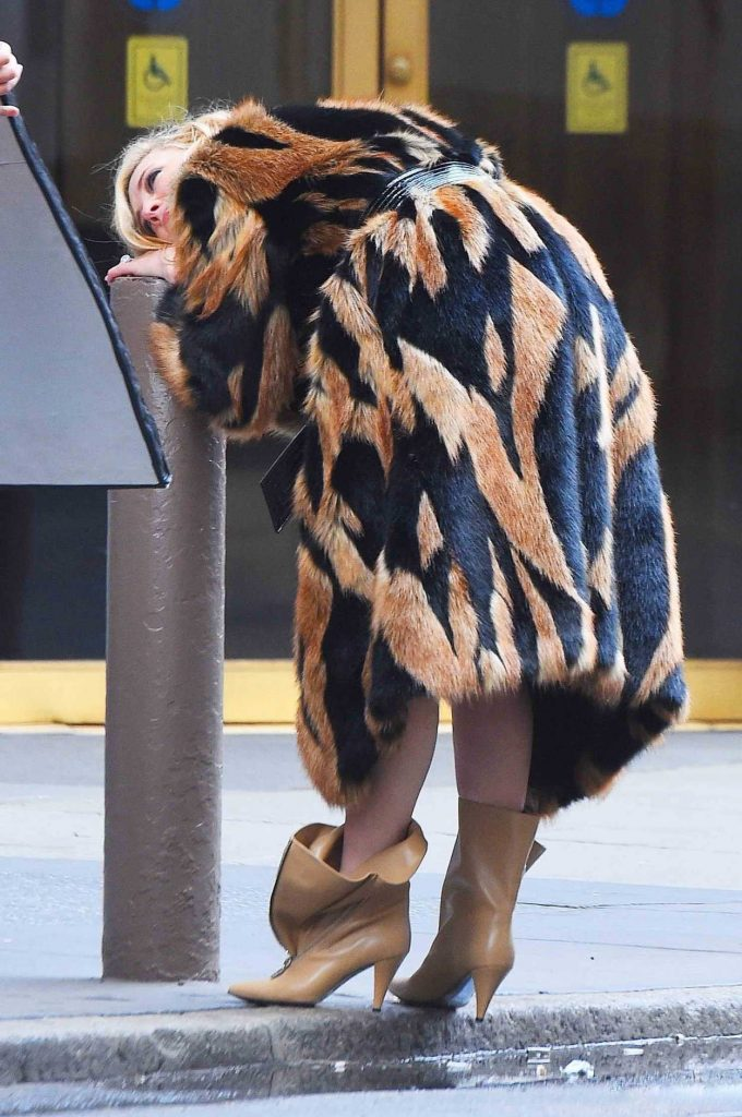 Cate Blanchett Does a Photo Shoot at Times Square in NYC 06/06/2018-5