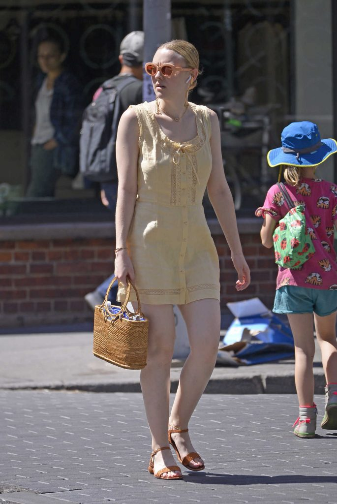 Dakota Fanning Was Seen Out in New York City 06/26/2018-4