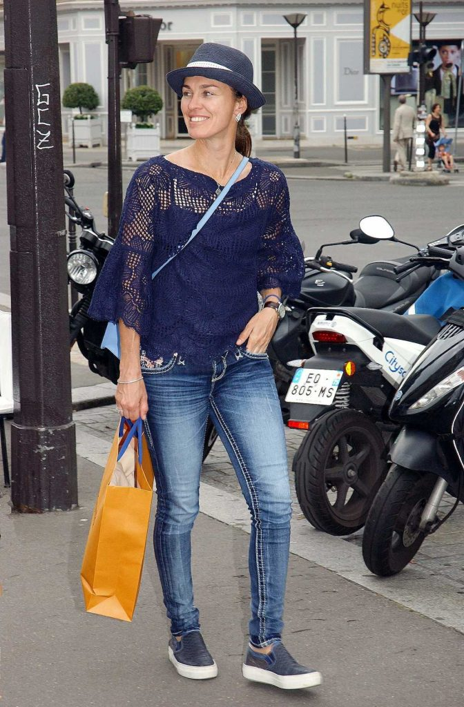 Martina Hingis Leaves l'Avenue Restaurant in Paris 06/10/2018-3