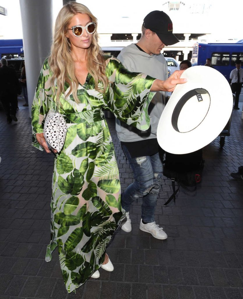 Paris Hilton Was Spotted at LAX Airport in Los Angeles 06/08/2018-1