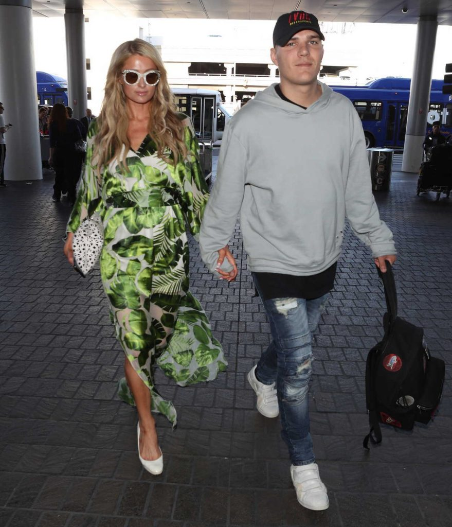 Paris Hilton Was Spotted at LAX Airport in Los Angeles 06/08/2018-2