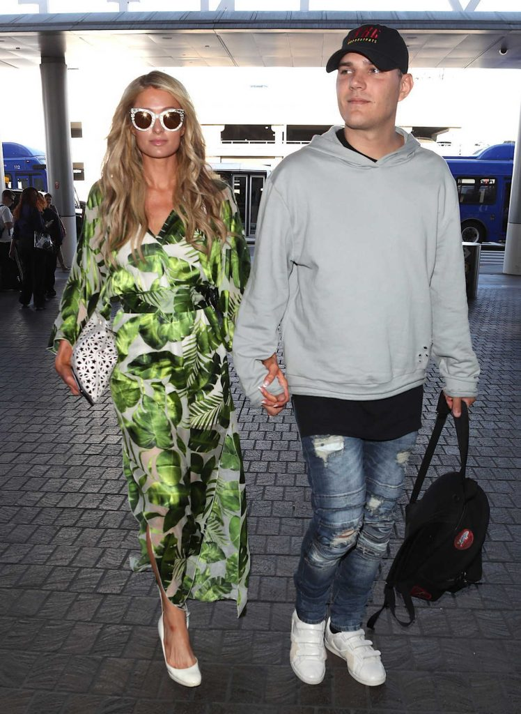 Paris Hilton Was Spotted at LAX Airport in Los Angeles 06/08/2018-3