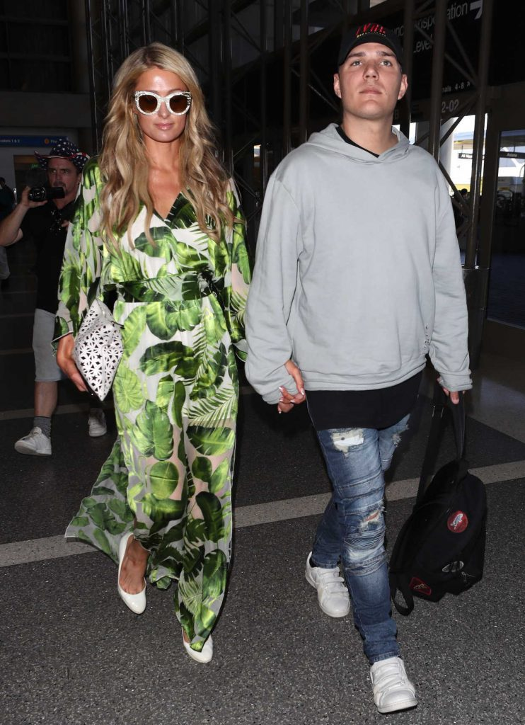 Paris Hilton Was Spotted at LAX Airport in Los Angeles 06/08/2018-4