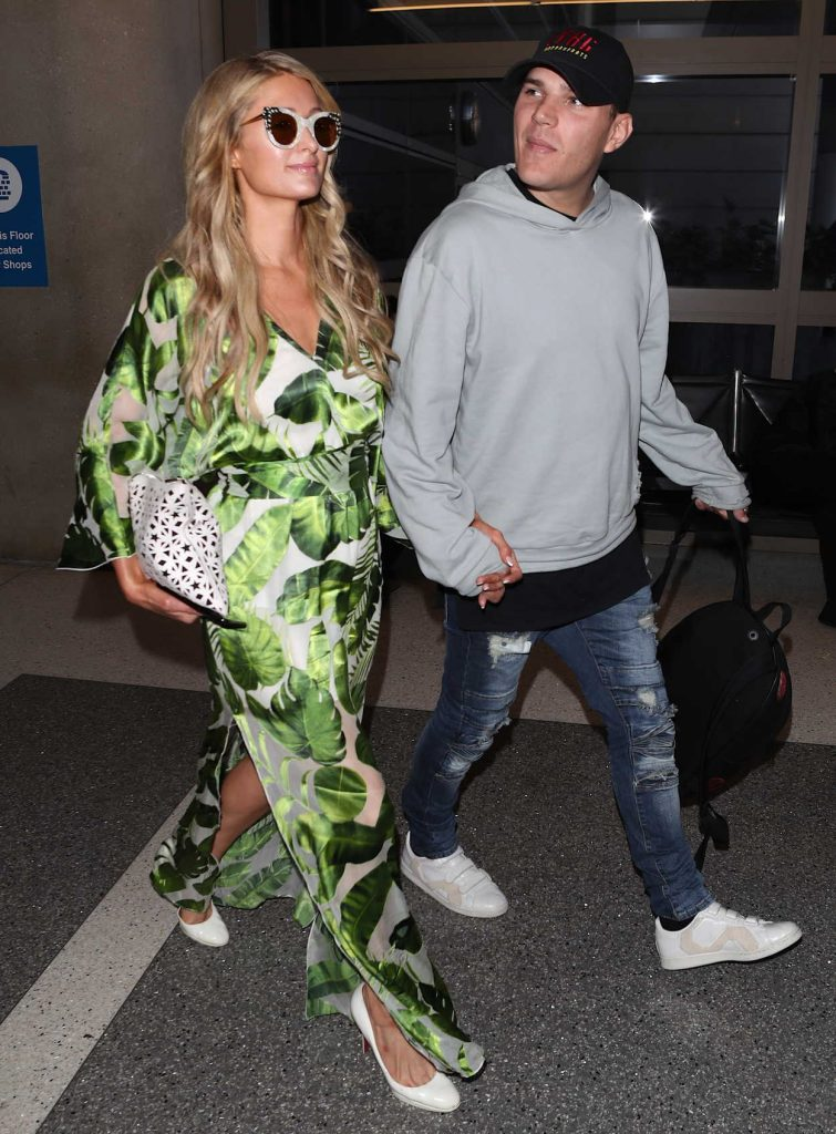 Paris Hilton Was Spotted at LAX Airport in Los Angeles 06/08/2018-5