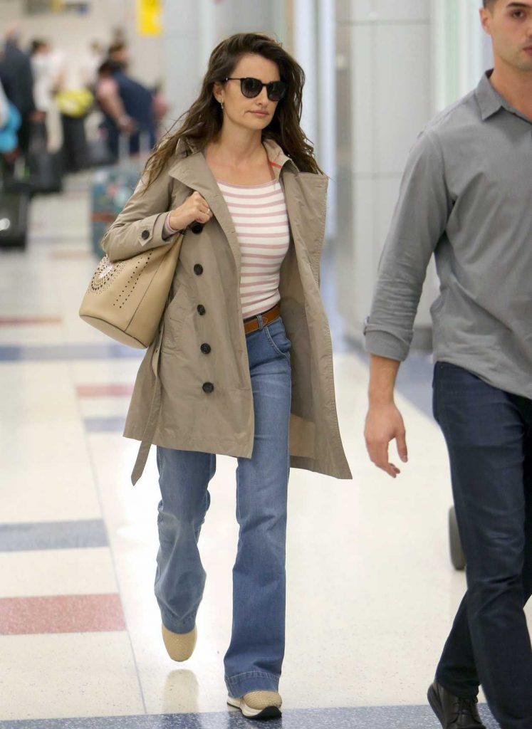 Penelope Cruz Was Seen at JFK Airport in New York 06/02/2018-3