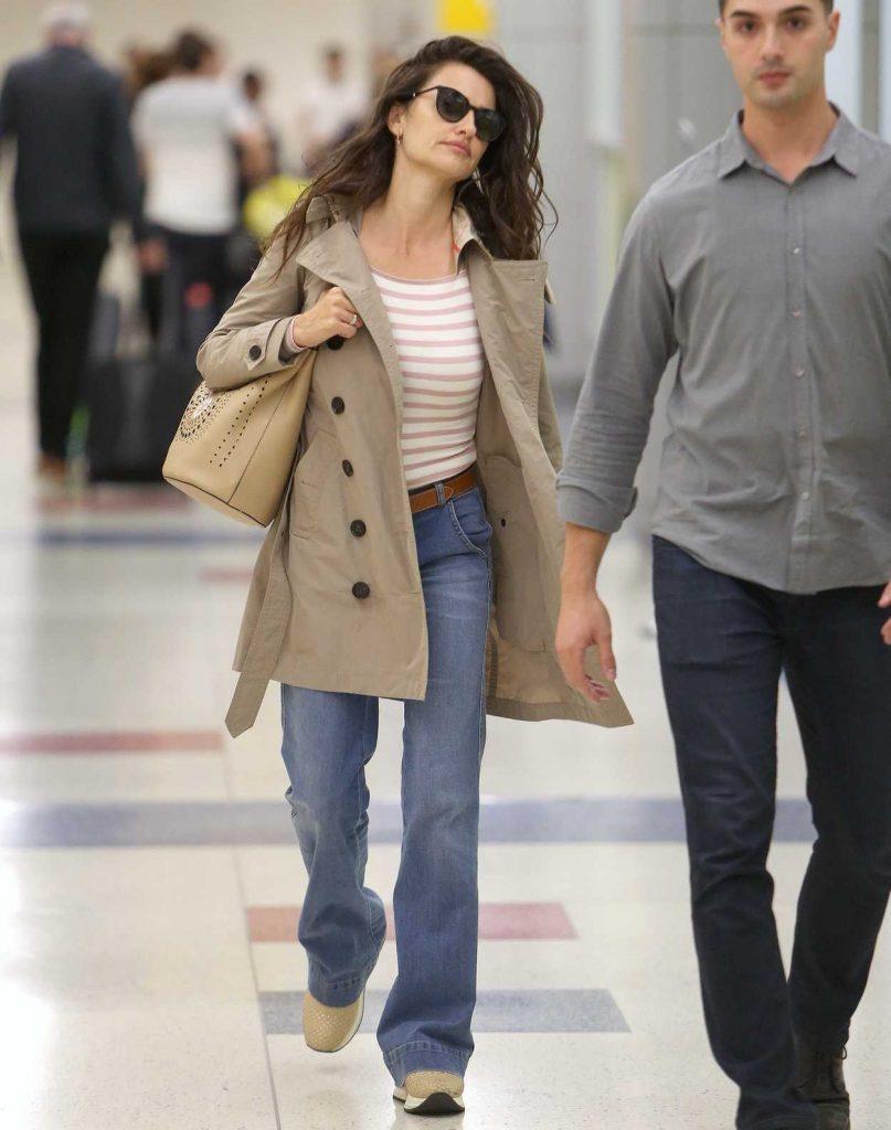 Penelope Cruz Was Seen at JFK Airport in New York 06/02/2018-5