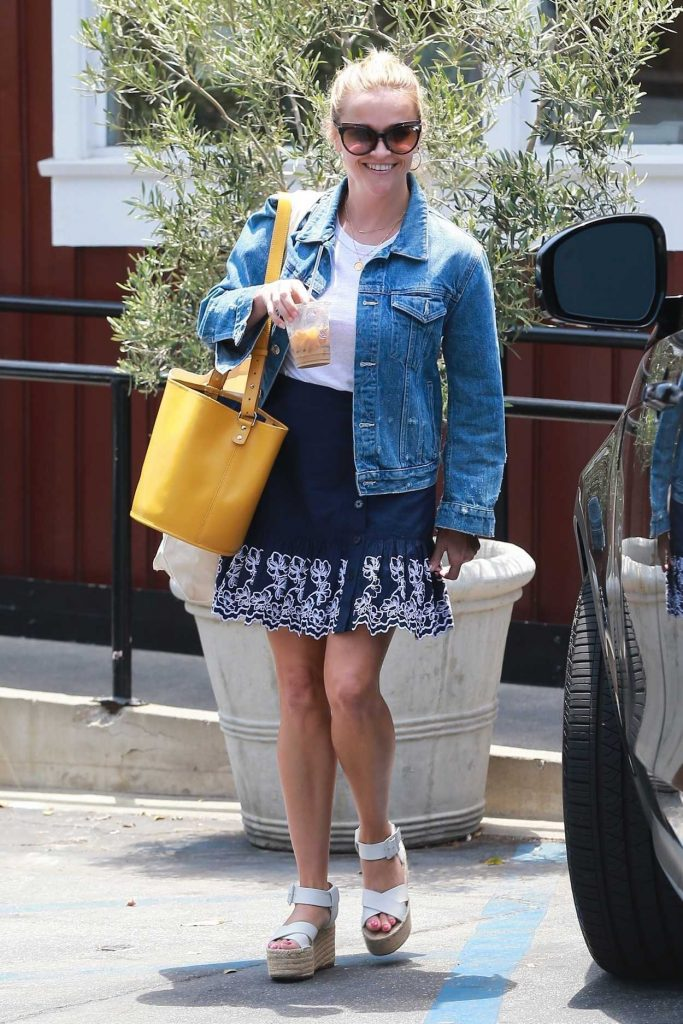 Reese Witherspoon Was Seen Out in Brentwood 06/29/2018-1