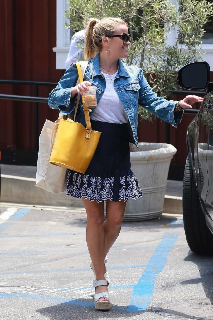 Reese Witherspoon Was Seen Out in Brentwood 06/29/2018-4