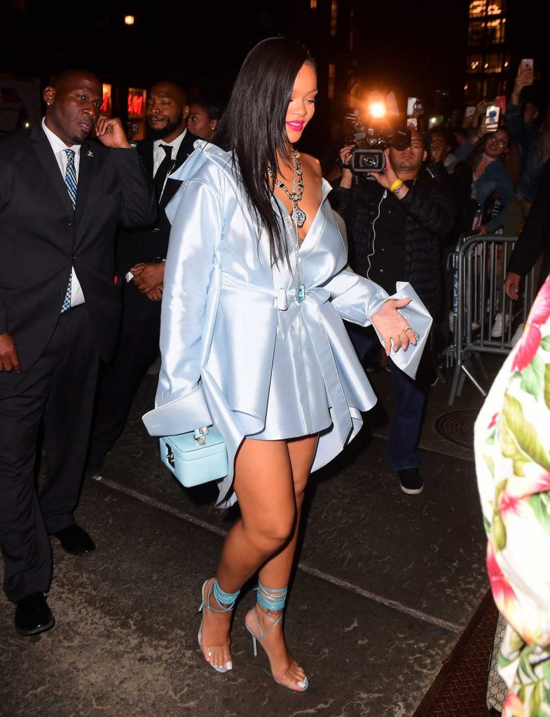 Rihanna Was Seen Out in NYC 06/06/2018-4