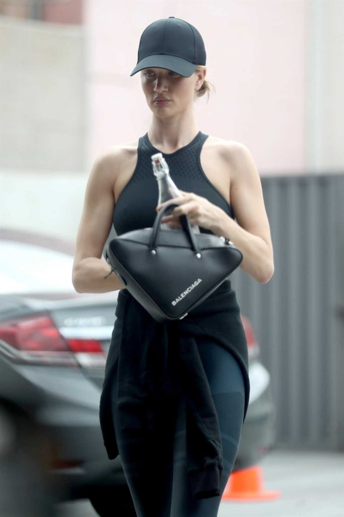 Rosie Huntington-Whiteley Leaves the Gym in West Hollywood 05/31/2018-4