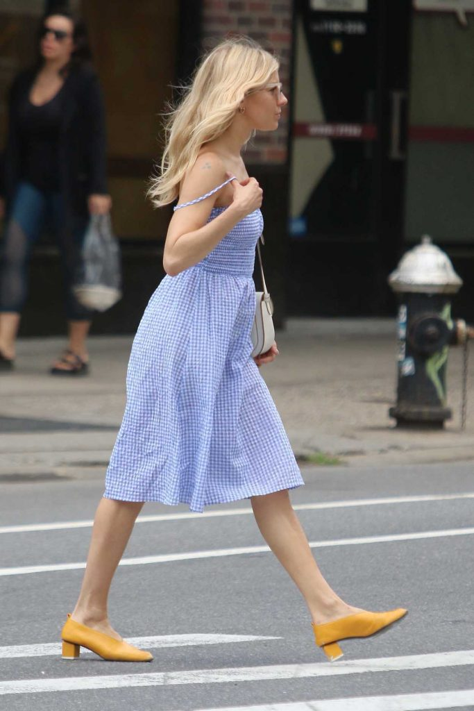 Sienna Miller Was Seen Out in New York City 06/08/2018-5