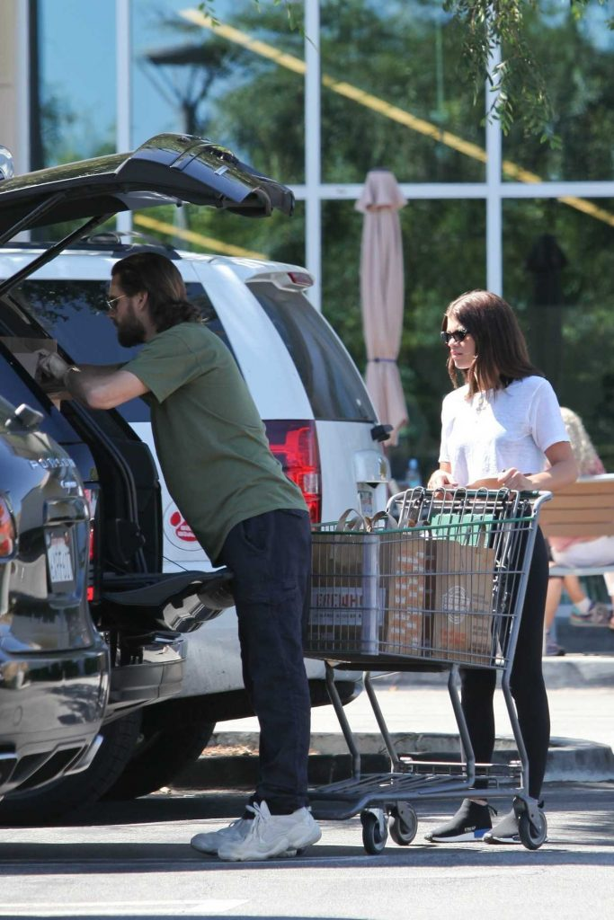 Sofia Richie Goes Shopping Out in Calabasas 06/24/2018-2