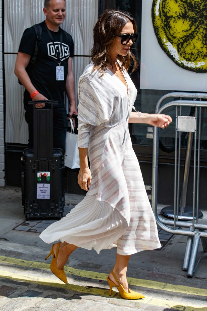 Victoria Beckham Arrives at Men's Fashion Week Show in London 06/10/2018-4