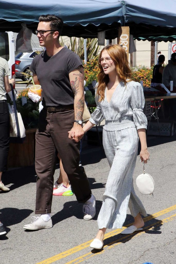 Zoey Deutch Arrives at the Farmer's Market in Studio City 03/06/2018-3