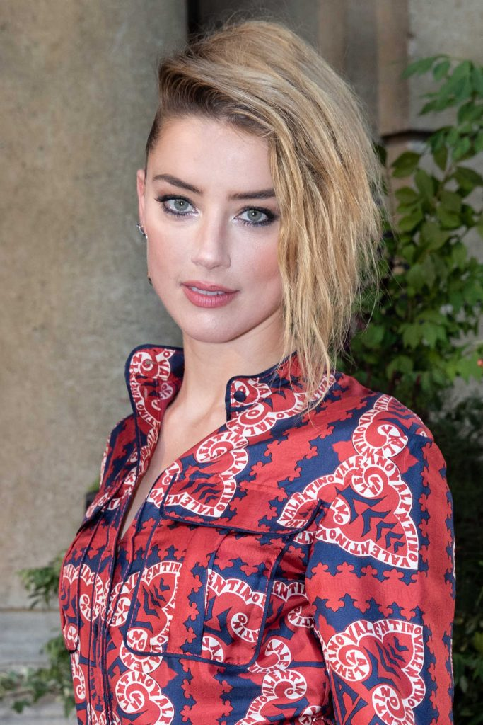 Amber Heard Attends the Valentino Show in Paris 07/04/2018-5