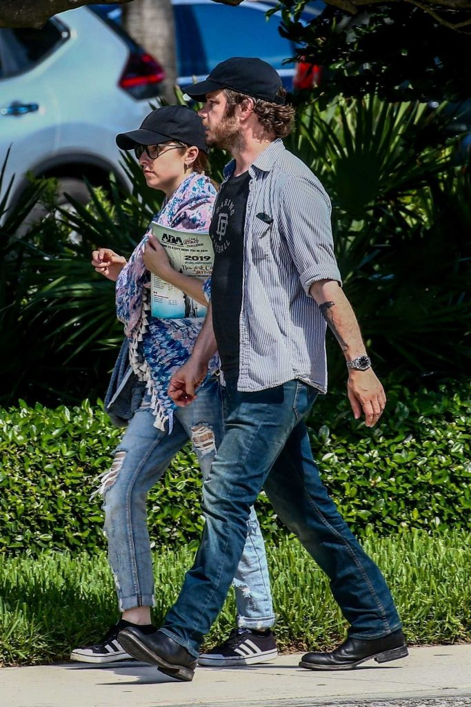 Anna Kendrick Was Seen Out with Ben Richardson in Miami 07/11/2018-4