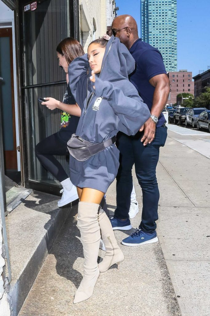 Ariana Grande Heads to a Recording Studio in New York 07/10/2018-5