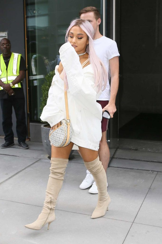 Ariana Grande Wears a Large White Jacket Out in New York City 07/18/2018-2