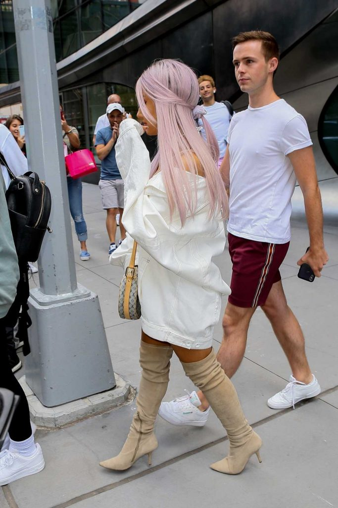 Ariana Grande Wears a Large White Jacket Out in New York City 07/18/2018-4