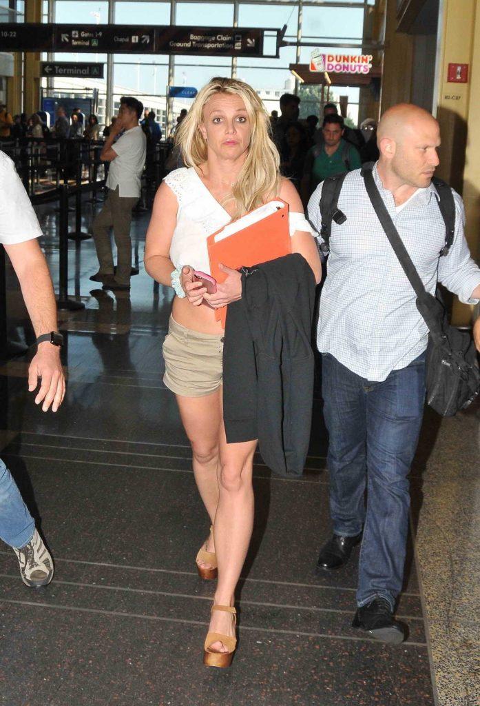 Britney Spears Arrives into Washington 07/10/2018-3