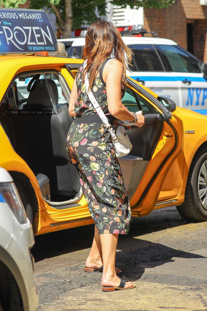 Brooke Shields Exits a Yellow Cab in the West Village in New York 07/09/2018-4