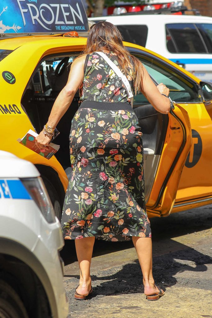 Brooke Shields Exits a Yellow Cab in the West Village in New York 07/09/2018-5