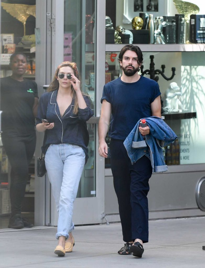 Elizabeth Olsen Was Spotted Out with Robbie Arnette in Los Angeles 07/08/2018-3