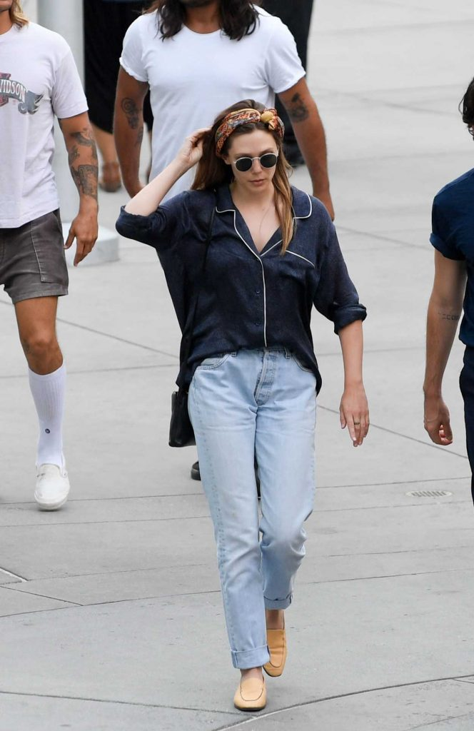 Elizabeth Olsen Was Spotted Out with Robbie Arnette in Los Angeles 07/08/2018-5