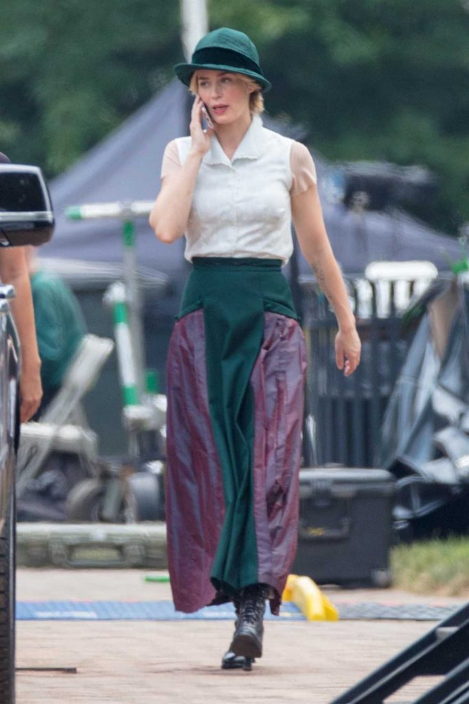 Emily Blunt Chats on Her Cell Phone on the Set of Jungle Cruise in Atlanta 07/13/2018-2