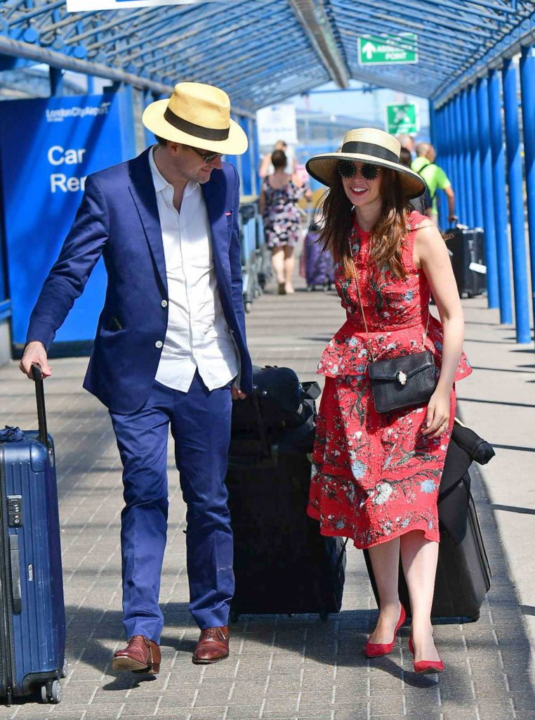 Felicity Jones Arrives at London City Airport in London 07/02/2018-5