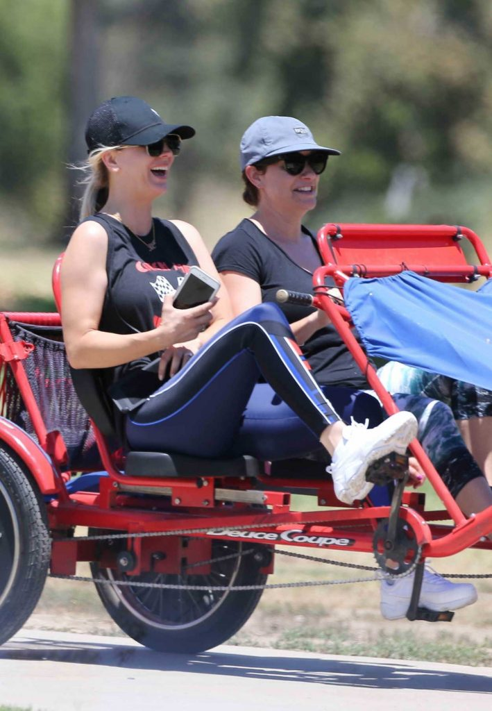 Kaley Cuoco Was Spotted on a Tandem Bike in Los Angeles 07/15/2018-2