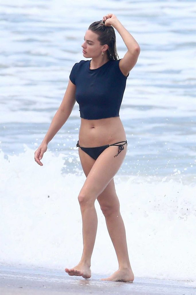 Margot Robbie In Bikini On The Beach In Costa Rica 07 20