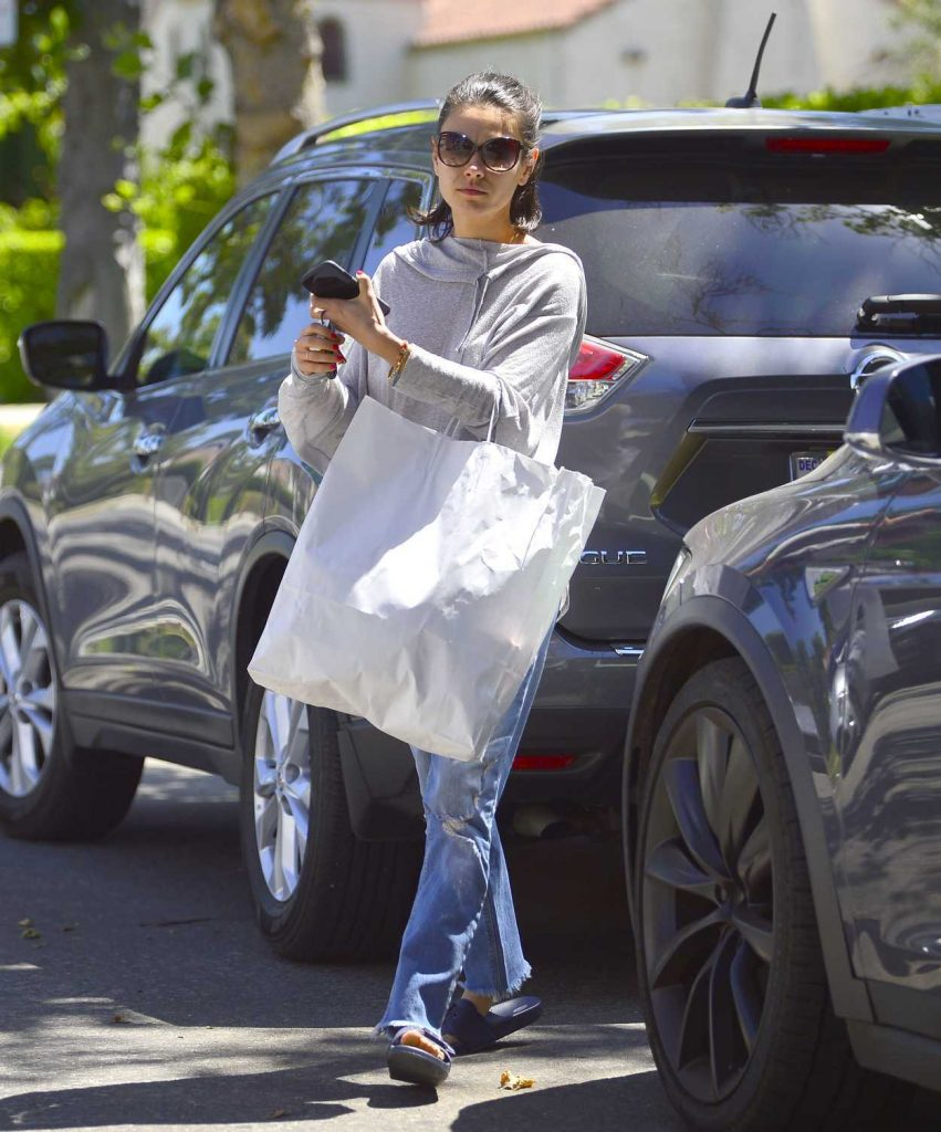 Mila Kunis Goes Shopping in Los Angeles 07/08/2018-1